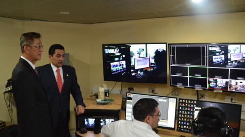 Congreso estrena canal de televisión, pero hay que pagar para verlo