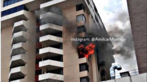 Edificio de apartamentos de la zona 10 se incendia