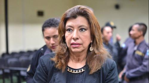 Otorgan arresto domiciliario a De León, pero pasará fiestas en prisión