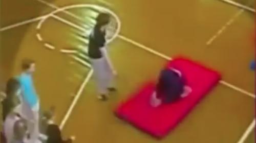 Niño sufre espeluznante accidente y despiden a su maestra