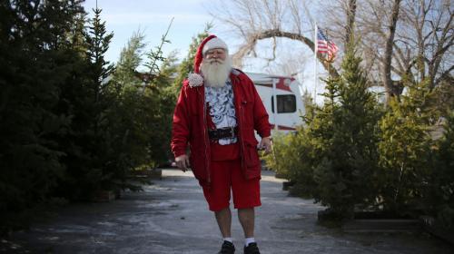 Santa Claus ayuda a detener a un ladrón y evita un robo