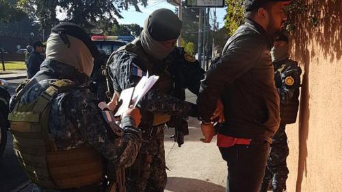 """Capturan en zona 15 a presunto narcotraficante aliado de """"El Fantasma"""""""