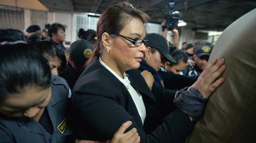 Roxana Baldetti sale de prisión hacia un hospital privado