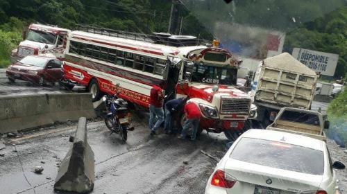 Accidente de tránsito genera complicaciones en la ruta al Pacífico