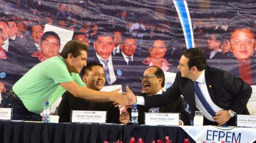 Gobierno y sindicalistas de educación negocian nuevo pacto colectivo
