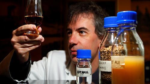 Prueban con éxito un combustible creado a base de residuos de whisky