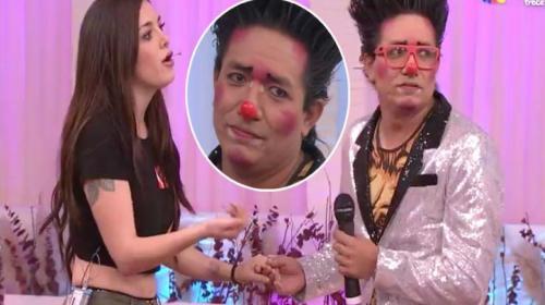 Mujer rechaza en vivo declaración de amor de presentador de televisión