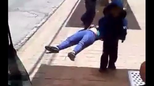 Video de pareja ebria con un niño genera indignación en redes sociales