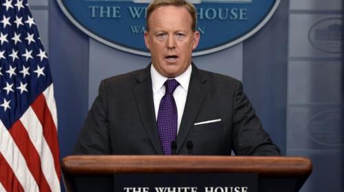 Renuncia Sean Spicer, el vocero de Donald Trump