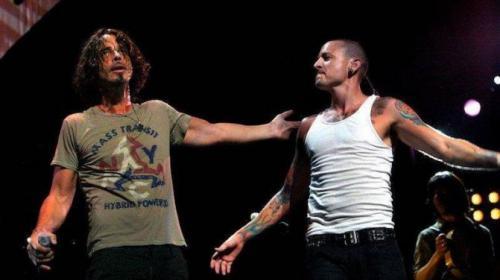 La emotiva carta que Chester Bennington dedicó a Chris Cornell