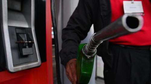 Tres factores que aumentarían el precio del petróleo y de la gasolina