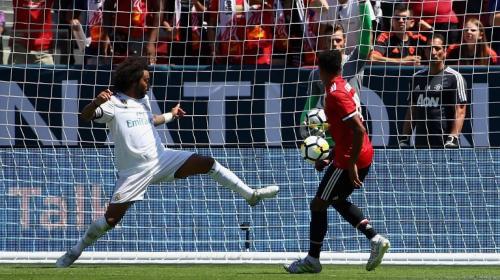 Manchester United vence, de momento, al Real Madrid con este golazo