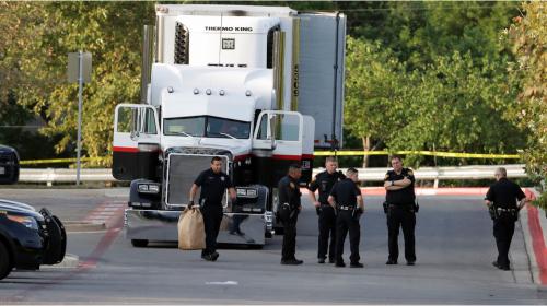 Identifican a 4 mexicanos entre 10 migrantes muertos en camión en EEUU