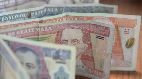 El quetzal, respecto al dólar, alcanza niveles del siglo pasado