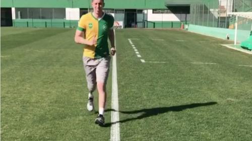Así entrena futbolista que fue amputado tras tragedia del Chapecoense