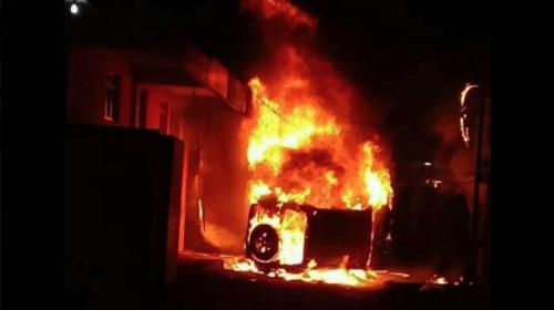 Pobladores incendian carros y un hotel en Tecpán