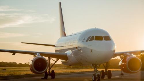 Avianca anuncia suspensión de vuelos desde y hacia Venezuela