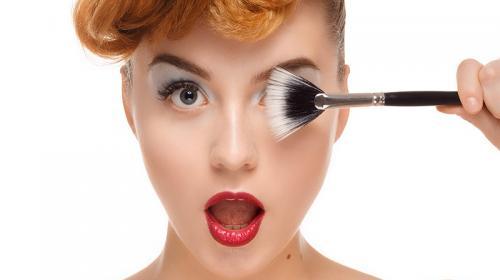 Siete consejos para que tu maquillaje dure todo el día