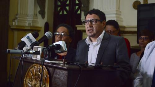 Legalizar el cannabis, regular parqueos y otras propuestas de Velásquez