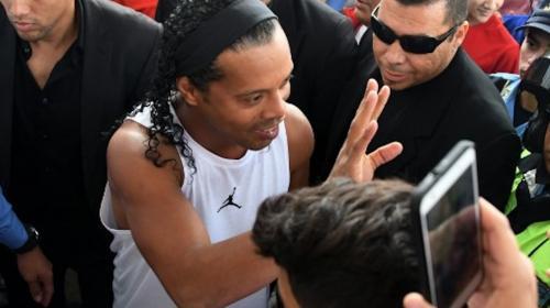 Ronaldinho fue víctima de un insólito robo en su visita a Honduras