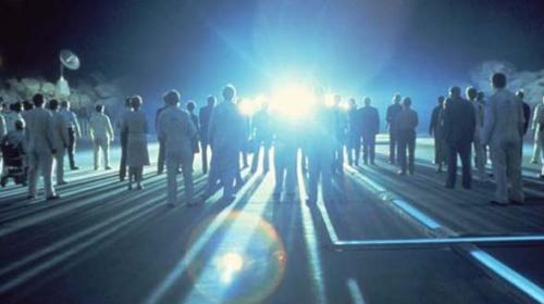 """Colaborador de la NASA: """"Los extraterrestres ya viven entre nosotros"""""""