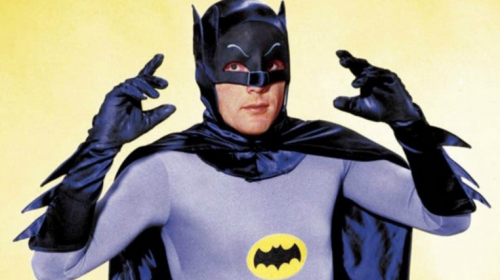 Murió Adam West, el actor que dio vida al primer Batman