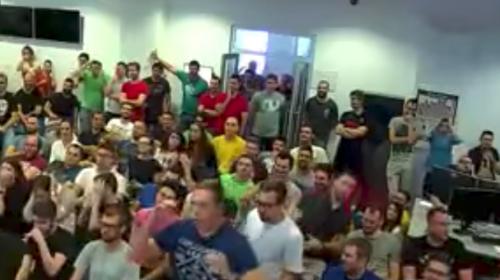 Jefe le juega una broma pesada a sus empleados