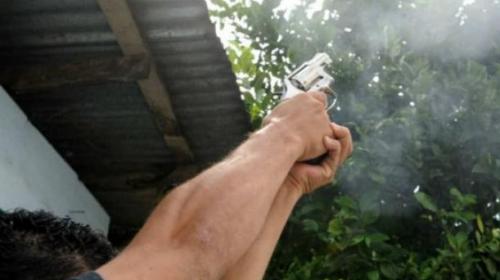 Hombre recibe condena de 10 años por hacer disparos al aire