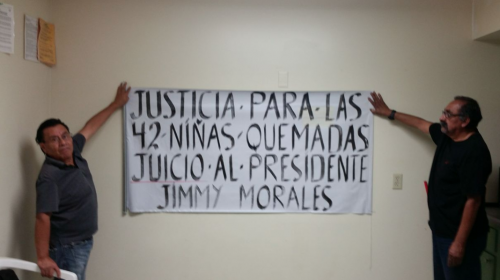Guatemaltecos protestan contra Jimmy Morales en Los Ángeles