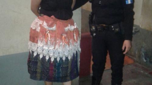 Detienen a inquilina de mercado en Coatepeque por este insólito delito