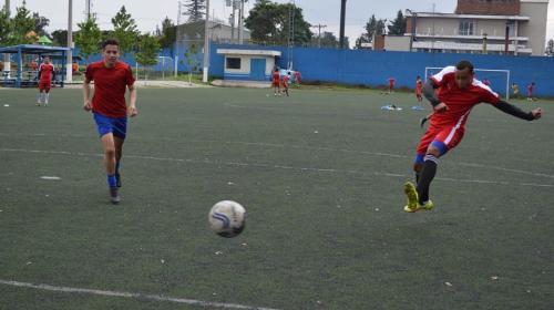 El hijo de Jimmy Morales busca fortuna en el fútbol profesional