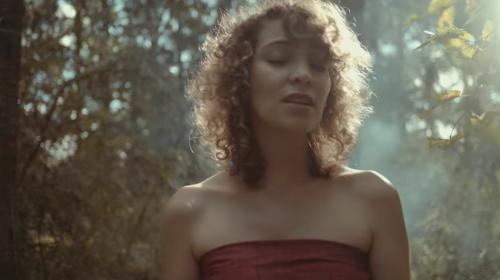"""Gaby Moreno estrena con """"Ilusión"""" el video de su canción favorita"""