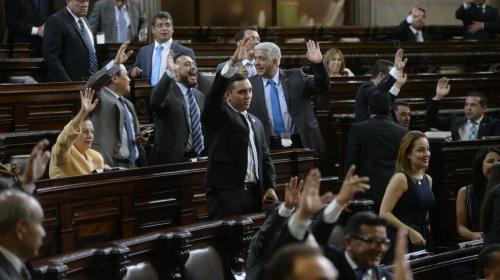 Linares Beltranena propone que el transfuguismo regrese al Congreso