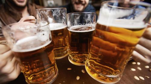 ¡Salud! Científicos crean una cerveza que mejora la digestión