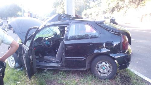 Vehículo protagoniza un aparatoso accidente en El Naranjo