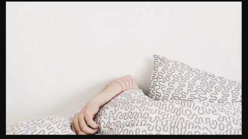 ¿Te cuesta despertarte temprano? Puede que tengas un problema genético