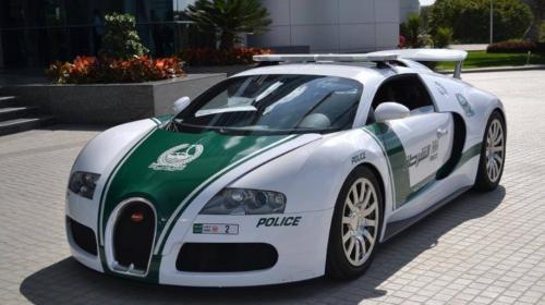 Récord Guinness para el auto policial más rápido del mundo