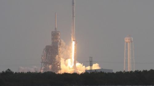 EE.UU. envía un satélite secreto al espacio