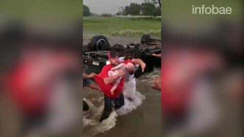 Así fue el heroico rescate de un niño durante un tornado en Texas