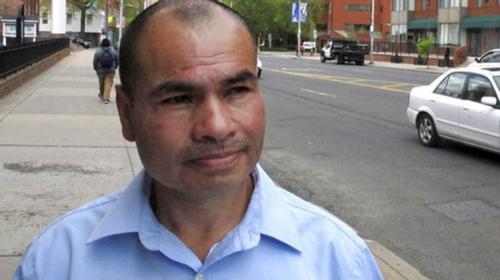 Senadores estadounidenses respaldan a migrante guatemalteco
