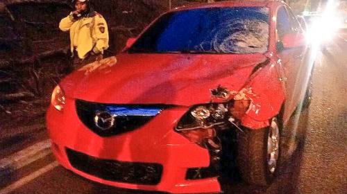 Abandonan vehículo que atropelló a un hombre en Bulevar Liberación