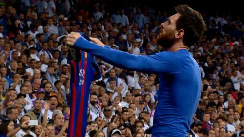 La impresionante colección de camisolas que tiene Messi en su casa