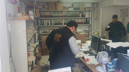 Realizan allanamientos contra falsos maquileros y empleados de la SAT