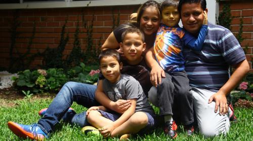 Dos años después de conocer su historia, Adrián sigue sin diagnóstico