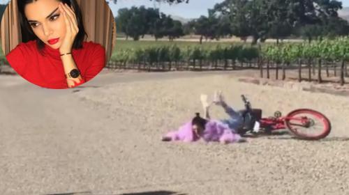 Kendall Jenner cae de la bicicleta y se hace viral