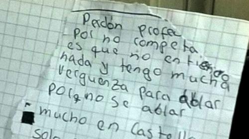 Estudiante le pide perdón a su maestro por obtener malas notas