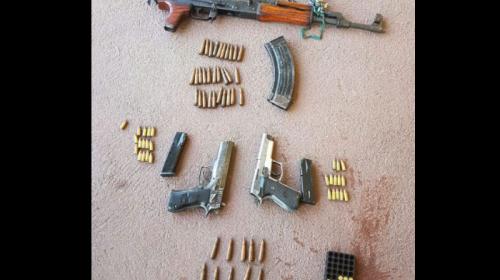 Localizan un AK-47 en poder de pandilleros del Barrio 18