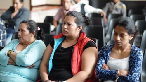 Salvadoreñas narran cómo eran extorsionadas desde Guatemala
