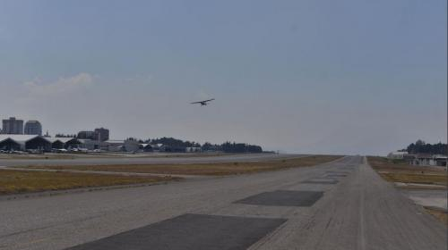 Esta es la empresa que reparará la pista del Aeropuerto La Aurora