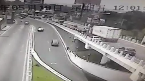 Video: así fue el aparatoso accidente en la ruta Interamericana